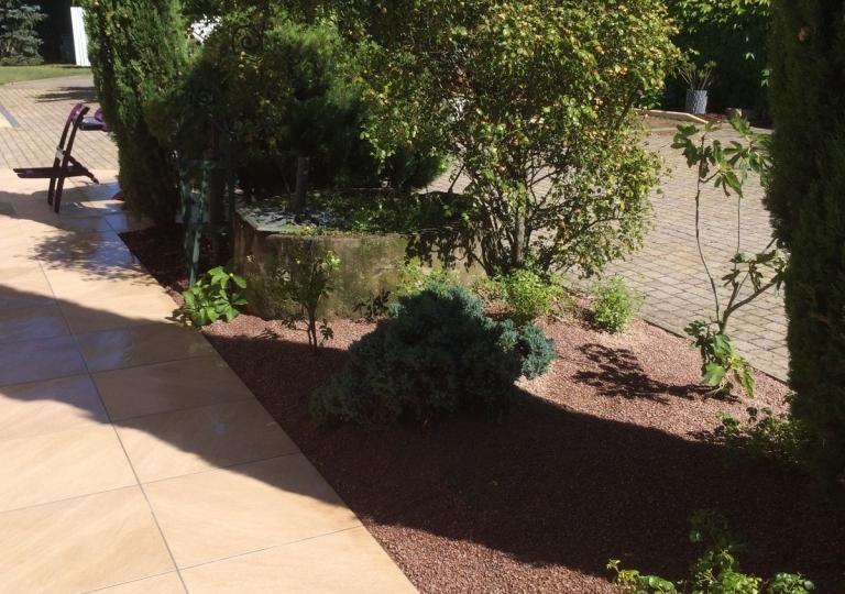 Aménagement d'une terrasse carrelée à Précieux