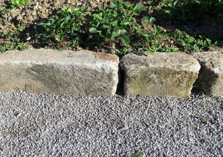 Le cachet des vieilles pierres