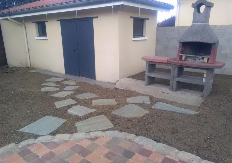 Création d'une terrasse en pavés à Moingt