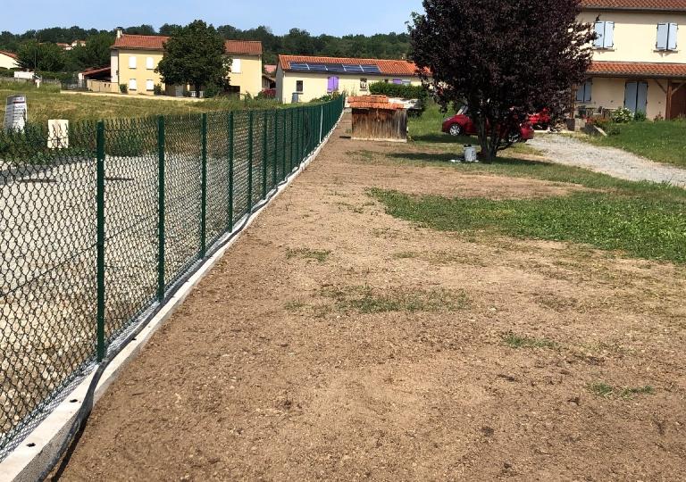 Création d'une clôture à Chalain d'Uzore